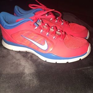 40914f1833de Nike Shoes - Nike Flex Trainer 4 Womens